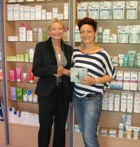 9_Platz_Andrea Wiesner_Mitarbeiterin in der Kloster Apotheke in Ensdorf_Ausschnitt_200