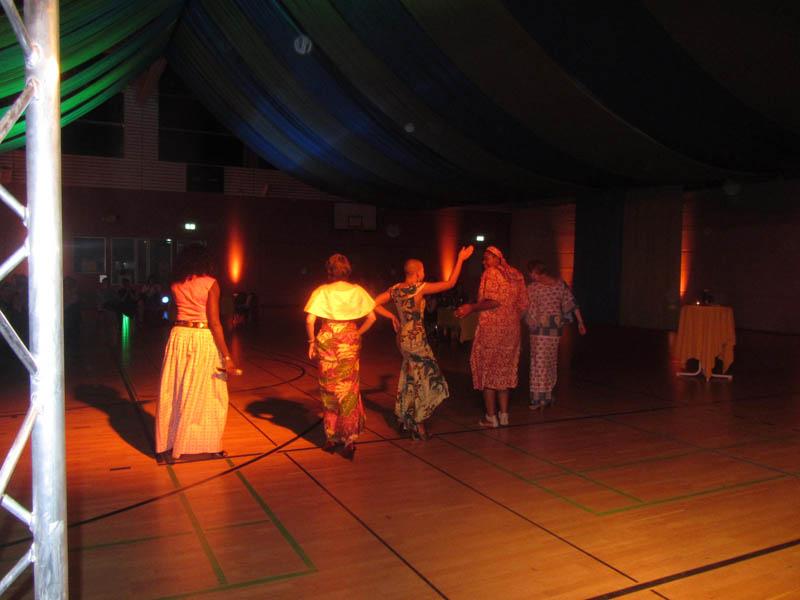 Afrikanische  Modenschau