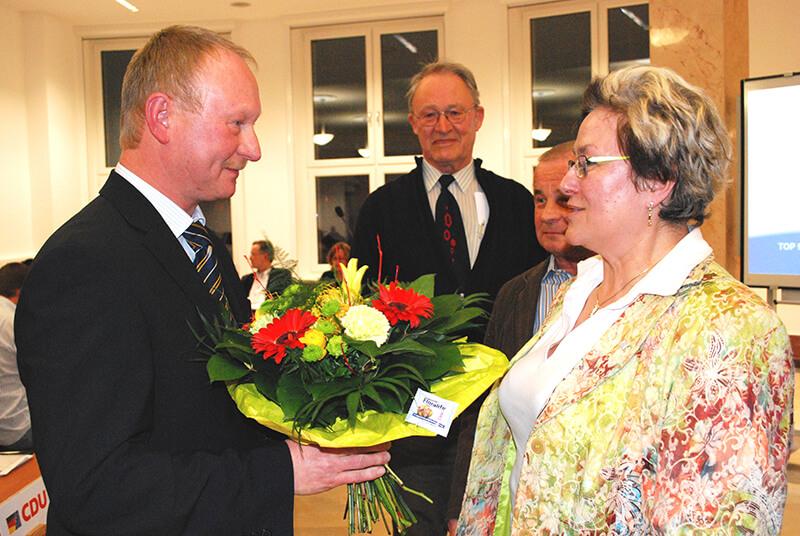 Glückwünsche nach der Wahl zum Stadtratsvorsitzenden am 17. März 2010