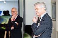 Ulrich Kehr und Hanns-Heinrich Kehr (geschäftsführende Gesellschafter Kehr) begrüßen die Gäste