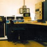 1966 wird eine Filiale in Wolfsburg eröffnet, 1977 wird die erste zielgesteuerte Förderanlage in Betrieb genommen.