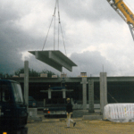 Nach dem Einstieg in die Gesch�ftsleitung planen die Kehr-Br�der einen Neubau. 1984 feiert der Gro�h�ndler Richtfest in der Braunschweiger Sudetenstra�e.