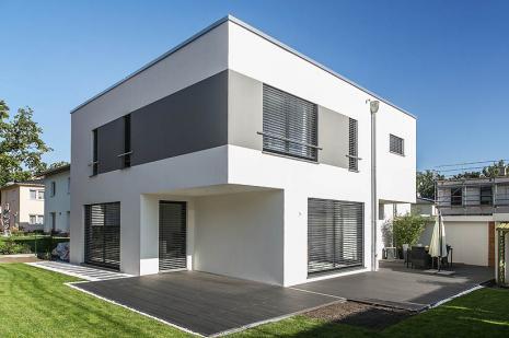 Baustil bungalow for Moderner baustil einfamilienhaus